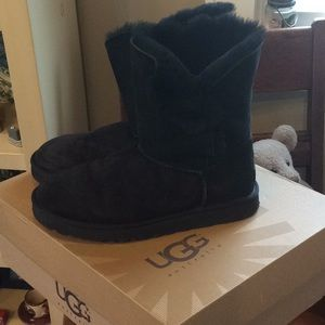 Bailey button black Ugg boots
